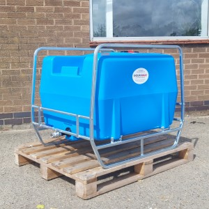 300 Litre Pin Mount Tank with frame