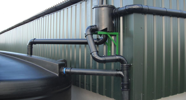 Enduramaxx Rainwater-is-better-for-your-garden-than-tap-water